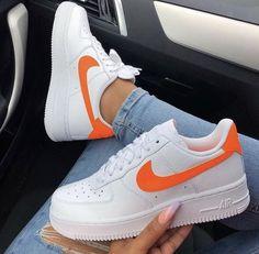the latest 68832 5e564 Chaussure de sport femme · Coucou les filles ! Que pensez vous de cette  super basket Nike   Moi je craque