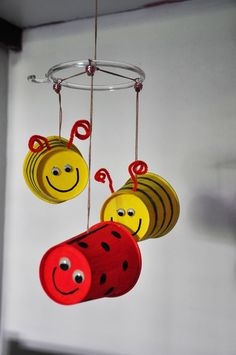 Journey One - Daisy Flower Garden Chapter 2 - Bee use cans to make a wind chime Bug Crafts, Preschool Crafts, Diy And Crafts, Crafts For Kids, Arts And Crafts, Paper Crafts, Garden Crafts, Diy Pour Enfants, Daisy Girl Scouts