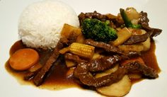 Biff chop suey Have you wondered why the meat is always so tender in a Chinese restaurant? Here is the method for how to . Asian Recipes, Beef Recipes, Ethnic Recipes, Beef Chop Suey, Beef Chops, Feta, Scandinavian Food, Spare Ribs, Chinese Restaurant