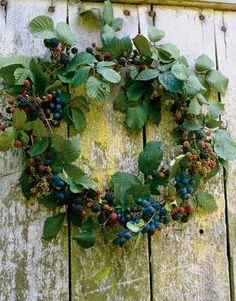 Make a Berry Wreath