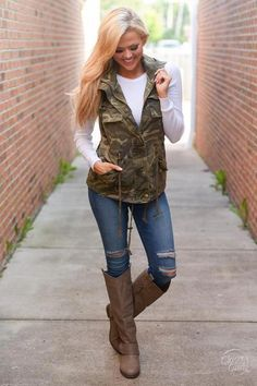 Don't hide from this season's hottest print! It's all about the camo, and this vest is the perfect way to incorporate it into your outfit! Camo vest with multip #fashionforwomenover50fiftynotfrumpysimple