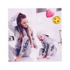 Zara afreen khan 💙 k u Couple With Baby, Cute Love Couple, Cute Love Songs, Cute Couple Pictures, Cute Family, Dad Baby, Boss Baby, Mom And Baby, Cute Boys