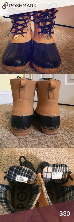 Sports Original Duck Boots EUC Sporto Dylan Duck Boots. Size 8M. Worn one time. Tan leather upper, balance man made. sporto Shoes Winter & Rain Boots