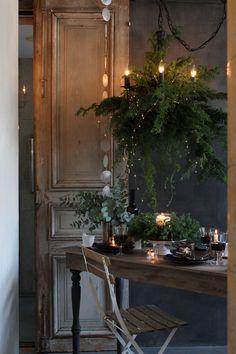 Christmas Trends, Cozy Christmas, Rustic Christmas, Christmas Inspiration, White Christmas, Christmas Holidays, Christmas Wreaths, Xmas Tree Decorations, Christmas Interiors