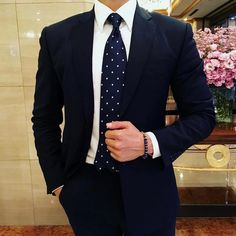 awesome 25 Spectacular Black Suit and Blue Tie Ideas – Splendid and Unique Color Combination Check more at http://stylemann.com/best-black-suit-and-blue-tie-ideas/