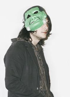 Only frank Iero would wear a monster mask with a baggy messy outfit to a red carpet event Frank Iero, My Chemical Romance, Ray Toro, Mikey Way, Black Parade, Killjoys, Gerard Way, Emo Boys, Fall Out Boy