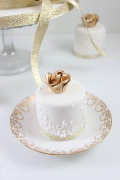 Gold Rose Mini Cakes