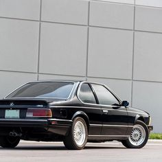 """1,380 mentions J'aime, 4 commentaires - Classic Car Chasers (@classiccarchasers) sur Instagram: """"The Land Shark 🦈 _____________________________________________ 🚘 1988 BMW M6 💯 3 owners from new 📰…"""""""