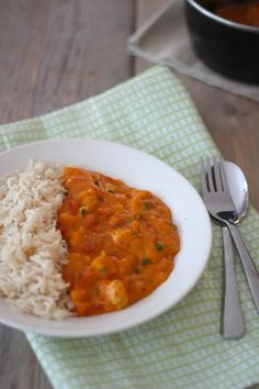 Goulasch au poulet - savoureux et simple - Lilly is Love Easy Healthy Recipes, Healthy Cooking, Cooking Recipes, A Food, Good Food, Food And Drink, Healthy Diners, Cooking For Dummies, Vegetarian Recepies