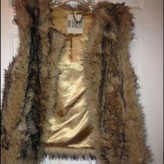 Faux fur vest Perfect condition BB Dakota Jackets & Coats Vests