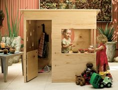 Perfect shape/design for this playhouse... makes it very versatile