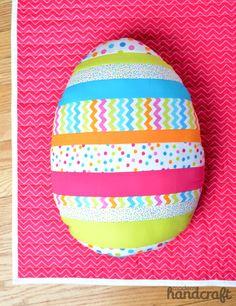 Modern Handcraft // Sew as you go Easter Egg Pillow: A Tutorial