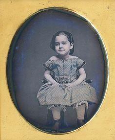 Little Girl Dress - Vintage Family Photos, Vintage Children Photos, Vintage Pictures, Vintage Images, Antique Photos, Vintage Photographs, Old Photos, Cool Eyes, Amazing Eyes