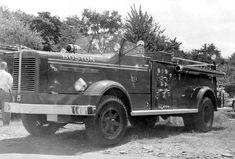 Boston, MA FD Engine 19 1953 FWD/Wood Engineering 750/150 Pumper.