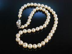 Classy Akoya pearl necklace! Edle Perlen Kette mit großen Akoya Zuchtperlen in Verlauf Gold 585 feinste Qualität