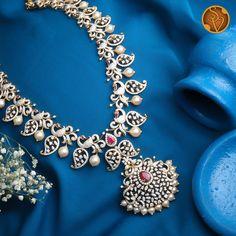 Ruby Jewelry, India Jewelry, Bridal Jewelry, Diamond Jewelry, Gold Jewelry, Jewellery Earrings, Trendy Jewelry, Emerald Diamond, Antique Jewelry