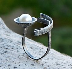 Sterling silver ring, Pearl ring, Black ring, silver ring with pearl, geometric…