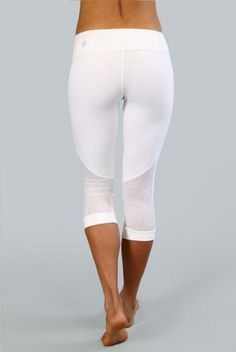 Collection White Yoga Capris Pictures - Reikian