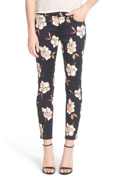 Crushing on the painterly blooms that cover these ankle-grazing skinny jeans from 7 For All Mankind. They provide a gorgeous, distinctive look that transitions seamlessly from warmer weather into fall.