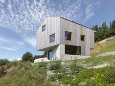 Modern chalet situated in Euseigne, Switzerland, designed by Savioz Fabrizzi.