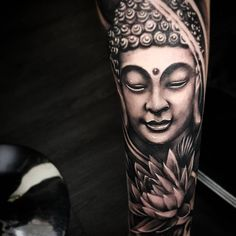 Buddhism is the fourth-largest religion in the world, The Buddha tattoo can be directly linked to the origins of this religion. Buddah Sleeve Tattoo, Zen Tattoo, Arm Sleeve Tattoos, Japanese Sleeve Tattoos, Best 3d Tattoos, Body Art Tattoos, Tatoos, Buda Tattoo, Buddha Tattoo Design
