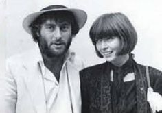 Anna Wintour with Christopher Hitchens in the early eighties at Gully Well's wedding looking very cute and chic.