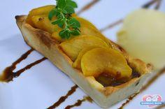 Procurando um docinho de festa sofisticado e irresistível? Aprenda a preparar a Torta de Pera com Chocolate. http://xamegobom.com.br/receita/torta-de-pera-com-chocolate/