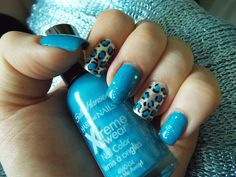 Summer nail art with blue Chita print!
