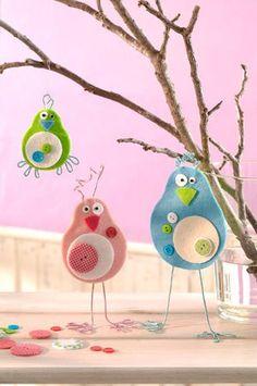 Colorful crafting tips for spring – diy home crafts Kids Crafts, Diy Home Crafts, Crafts For Teens, Felt Crafts, Easter Crafts, Diy For Kids, Arts And Crafts, Spring Decoration, Felt Birds