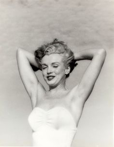 Marilyn Monroe photographed by Andre de Dienes, 1949.