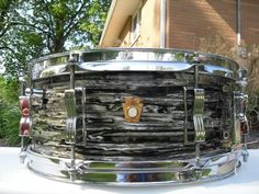 Ludwig black oyster pearl snare drum