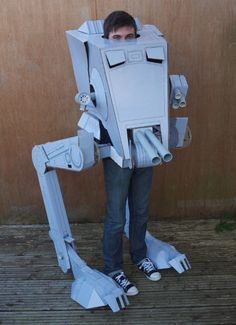 Still looking for some Halloween costume ideas? Perhaps you should do like this guy and dress up like an AT-ST walker from Star Wars! It may not be as big as the last AT-ST cosplay I posted, but at least Read More .