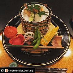 #Repost @weekender.com.sg  We had an exquisite Kaiseki set meal at Nadaman one of the top voted Jap restaurants in Weekender Foodmania Awards! Our judges will determine the final winning restaurants from each of the 8 categories so stay tuned to see if your fave restaurants win!  #foodmania2015 #japanesefood #foodporn #nadaman #shangrilasingapore #kaiseki by shangrilasg