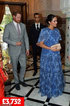 Prince Harry and Meghan Duchess of Sussex visit to Morocco - 25 Feb 2019 Prince Harry and Meghan Duchess of Sussex arive at the King's Residence 25 Feb 2019 Stylish Maternity, Maternity Fashion, Maternity Outfits, Windsor, Prinz Harry Meghan Markle, Dior Gown, Carolina Herrera Dresses, Prince Harry And Megan, Meghan Markle Style