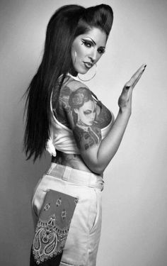 mexican female gangster cholas at DuckDuckGo Sexy Tattoos, Girl Tattoos, Tattoos For Women, Tattooed Women, Minions, Bobby, Chola Girl, Cholo Style, Gangster Girl
