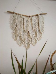 Your place to buy and sell all things handmade : Macrame Feather Wall Hanging Yarn Wall Art Modern Macrame Yarn Wall Art, Wall Art Boho, Feather Wall Decor, Room Tapestry, Large Macrame Wall Hanging, Diy Décoration, Macrame Patterns, Quilt Patterns, Macrame Wall Hanging Patterns