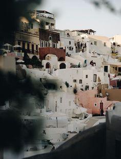 santorini, oia, white houses, travel, luxury travel, take pictures, Greece   . . . . #wonderful_santorini #santorinigreece #oia #whitebuilding #greekislands #greecestagram #travelgreece #fira #exploresantorini #visitsantorini #visitgreece #unlimitedgreece #perissa #kamari #akrotiri #topgreecephoto #igersgreece #santoriniisland #wu_greece #gf_greece #team_greece #ig_greece #mysantorini @my.santorini @wonderful_santorini @simplysantorini