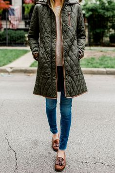 Quilted coat, jumper, jeans, and loafers - Kelly in the City.