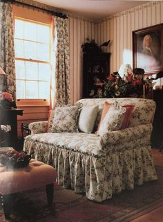 Perfect cottage from an old Laura Ashley catalog. - Perfect cottage from an old Laura Ashley catalog. English Cottage Style, English Country Decor, English House, English Cottage Decorating, English Cottages, French Country, Cottage Interiors, Cottage Homes, Country Cottage Living Room