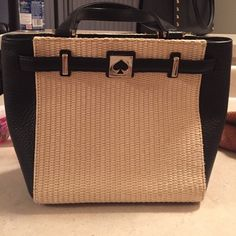 Kate Spade Straw & Leather Purse ♠️♠️ This is a beautiful purse. It is a small version of a tote. I used it a few times and decided it was too small for my taste, but it is very stylish and pretty. Minor wear on bottom left as shown. Otherwise, no flaws. kate spade Bags