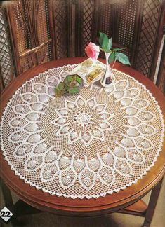 Beautiful round tablecloth with pineapple