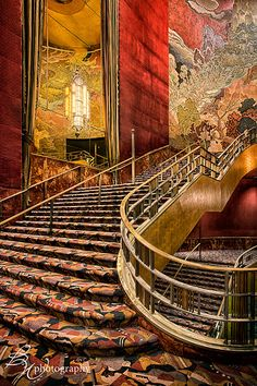 Grand Staircase Radio City Music Hall  NYC.  Rent-Direct.com - No Fee Apartment Rentals in NYC.