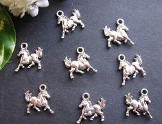 8 Metallanhänger Pferd, 1,6 cm, silberfarben, Perlen basteln, für Pferdenarren
