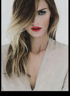 Un peinado que al principio parecía algo alocado pero que fue tomando auge en varios países del mundo, son las mechas californianas ya sea en cabellos claros u oscuros para llegar a un tono medio. Aprende cómo cambiar de look y estar siempre a la moda.   http://www.liniofashion.com.co/linio_fashion/mujeres?utm_source=pinterest&utm_medium=socialmedia&utm_campaign=COL_pinterest___fashionmujeres_20140217_18&wt_sm=co.socialmedia.pinterest.COL_timeline_____fashion_20140217mujeres.-.fashion
