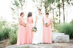 Our lovely bride with her best friends and bridemaids! Photography: 135milimetros www.135milimetros.pt
