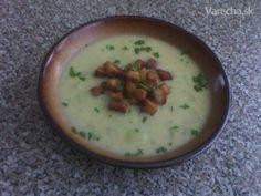 Kalerábová polievka s chlebovými krutónmi - Recept