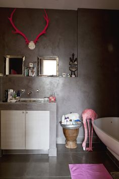 Chocolate and pink.  Such a bizarre combination, but works so well!