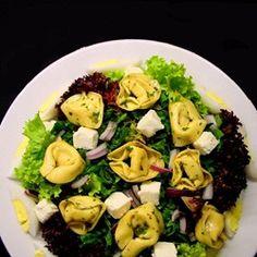 Griekse tortellini salade