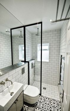 minimalista ed elegante Bathroom Design Mold In Bathroom, Narrow Bathroom, Large Bathrooms, Basement Bathroom, Bathroom Interior, Bathroom Ideas, Bathroom Fixtures, Bathroom Organization, Master Bathroom