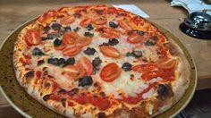 Mało jest osób, które nie lubią pizzy 😄lubimy w zasadzie pizze w każdym wariancie ale mało kto z Was wie, że pizza ze ślimakami jest równie smaczna jak z owocami morza - koniecznie musicie spróbować aby samemu wyrobić sobie na ten temat zdanie 😄💚💥 💨 Stefan 😄 #pizza #asunto #bestbakery #myfood #ciastodopizzy #ciastodopizzywkulce #pizzacorleone #pizzeria #owocemorza #slimaki